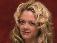 """Lisa Robin Kelly  That '70s Show star Lisa Robin Kelly has died at the age of 43. After struggling with addiction, the actress had checked into rehab again just last week before passing away on Aug. 14. Her rep told People, """"Unfortunately Lisa Robin Kelly passed away last evening. Lisa had voluntarily checked herself into a treatment facility early this week where she was battling the addiction problems that have plagued her these past few years."""