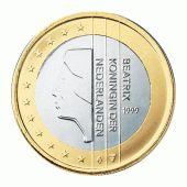 Laag-relief: De vormen steken bijna niet uit, als je met je vinger over de munt gaat voel je lichte hoogte verschiilen.