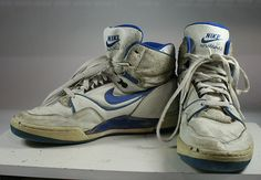 80s Shoes, Shoes Sneakers, Vintage Nike, Vintage Shoes, 1980s Fashion Trends, Nike High Tops, Metal Fashion, Designer Shoes, Me Too Shoes