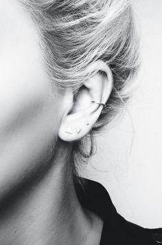 "Ohrringknorpel / falsches Piercing >> www. Boucle d'oreille anneau cartilage / faux piercing >> www.fr/… > www.fr/…""> Knorpelring / Fake Piercing Ohrring >> www. Fake Piercing, Tragus Piercings, Piercing Oreille Cartilage, Septum Piercing, Tattoo Und Piercing, Cute Piercings, Orbital Piercing, Snug Piercing, Types Of Ear Piercings"