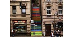 Escaleras arco iris