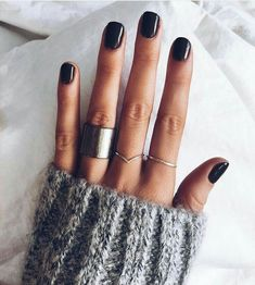 Nail Polish: The Trendiest Fall Nail Colors + Fall Nails Inspiration. Cute Nails, Pretty Nails, Hair And Nails, My Nails, Dark Nails, Black Shellac Nails, Dark Acrylic Nails, Dark Color Nails, Black Manicure