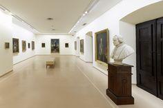 Palacio de Velarde, vista general de la sala 4, con la obra de Goya y la saga familiar de los Meléndez al fondo. Fotografía: Marcos Morilla.