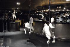 VOLAR- sleek & hip Hong Kong nightclub and lounge - Asia Bars & Restaurants Lounge Club, Bar Lounge, Philippe Starck, Night Club, Night Life, Hong Kong Nightlife, Nightclub Design, Best Club, Rooftop Bar