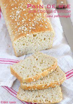 Voici un pain hybride, mix entre un pain traditionnel à la levure de boulanger et un soda bread, pain rapide réalisé généralement avec du bicarbonate de soude. Quel intérêt ? Pas de pétrissage ! Une texture extra et un gain...