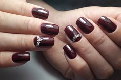 Beautiful maroon nails Fall nail ideas Manicure in autumn style Maroon nails Nails for spring dress Nails under the sweater Nails with liquid stones Nails with stones Nail Art Design Gallery, New Nail Art Design, Best Nail Art Designs, Nails Design, Maroon Nails, Burgundy Nails, Burgundy Nail Designs, Color For Nails, American Nails