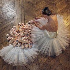 Danseuse, ballerine, tutu, danse classique, parquet