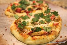 Mango chicken naan pizza