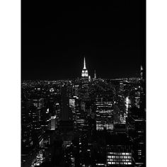 NYC by night     #nyc #newyork #project365 #newyorkcity #empirestatebuilding #sopretty #loveit #travel #usa #travelblogger #lifestyleblogger #blackandwhite #blackandwhitephotography