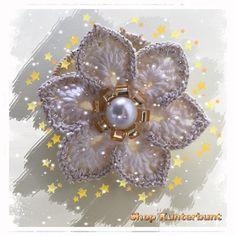 Haarblüten, Blume, Blüte, häkeln , Brooch, Jewelry, Fashion, Flowers, Jewellery Making, Moda, Jewerly, Jewelery, Fashion Styles