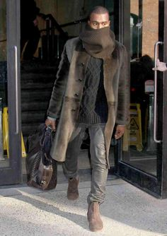 Want to see Kanye West perform live on his Saint Pablo Tour? Join the Kanye West Fan Group and Wish Lists to attend the concert on November Kanye West Outfits, Style Kanye West, Kanye West Fashion, Casual Outfits, Fashion Outfits, Mens Fashion, Moda Formal, Look Man, Fall Clothes