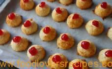 How about baking these amazing 2 ingredient macaroons with your children a really ideal holiday bake that is easy and fast to make . it is so good baking toget Easy Baking Recipes, Cookie Recipes, Dessert Recipes, Kidspot Recipes, Bar Recipes, Fruit Recipes, 2 Ingredient Recipes, Macaroon Recipes, Coconut Macaroons