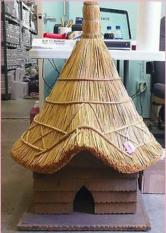 English Thatched Bird House *NEW OLD STOCK* MSRP $435 Huge Unique Birdhouse