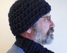 Ladies' hat. On a man!