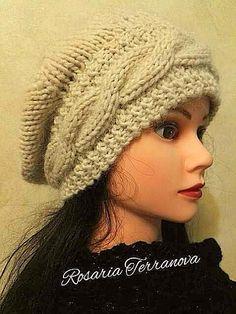 Pattern- istruzioni -per -realizzare -un -basco- ai -ferri-circolari --con- treccia -orizzontale- modello- originale Knit Crochet, Crochet Hats, Knitted Hats, Winter Hats, Knitting, Womens Fashion, Capellini, Top, Needlepoint