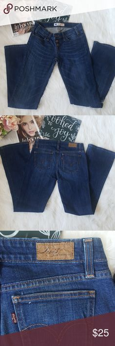 Levi's demi curve button fly jeans sz 5 M Good condition Levi's jeans. Please see photos for approximate flat lay measurements. And don't forget take a look at everything in my closet too! Happy Poshing! ♥️ Levi's Jeans