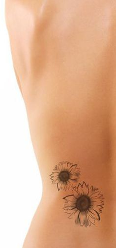 Small Sunflower Minimal Back Tattoo Ideas for Women - Black Realistic Flower Tat - pequeñas ideas mínimas del tatuaje del girasol - www.MyBodiArt.com #tattoos