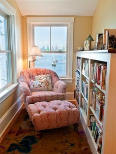 Perfect Reading Nook In Living Room Decoration Ideas - DIY Craft and Home Small Home Libraries, Overstuffed Chairs, Piece A Vivre, Home And Deco, My New Room, Cozy House, My Dream Home, New Homes, Sweet Home