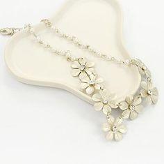 Geometrica floral necklace