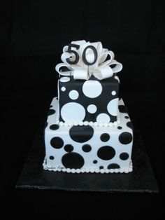Cake gâteau boucle noir blanc rond 50 loop black white round pois peas