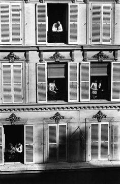 Edouard Boubat The Latin Quarter Paris, 1968 Vintage Photography, Street Photography, Window Photography, Old Photos, Vintage Photos, Fotojournalismus, Stefan Zweig, Latin Quarter, Robert Doisneau