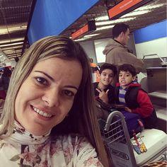 Bom dia! Eu e minha #família já estamos a caminho da Turnê de #PréLançamento do #DVD #Tetelestai! Vamos para #Curitiba #SãoPaulo #Campinas #Niterói #RioDeJaneiro depois a gente volta para #BH e viaja de novo para #Goiânia e #Manaus! Participe também! Informações e inscrições pelo diantedotrono.com  #FamilyTravelingTogether #Ministry