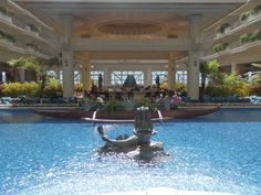 Hotel Review of the Grand Wailea in Maui, Hawaii by Wilson Travel Blog Maui Hotels, Maui Resorts, Hawaii Usa, Maui Hawaii, Us Travel, Family Travel, Conrad Hotel, Best Vacation Destinations