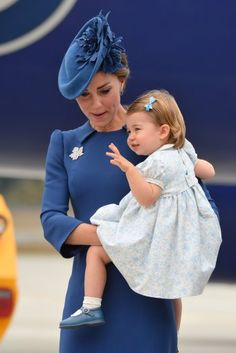"""British Royals on Twitter: """"It's never too early to start perfecting the royal wave!  Princess Charlotte adorable in the arms of mum Kate #RoyalVisitCanada"""