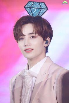 the man who owns my whole heart Seventeen Scoups, Jeonghan Seventeen, Seventeen Jun, Woozi, Wonwoo, Concert Dresses, K Idol, Pledis Entertainment, Seungkwan