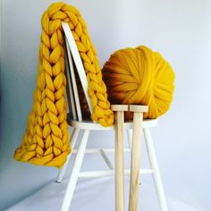 """Blanket KNITTING KIT. 30"""" x 50"""" Giant 40mm Knitting needles. Super Chunky DIY Throw knit, Learn to knit, extreme knitting pattern, crochet by WoolCoutureCompany on Etsy"""