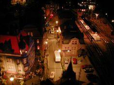 Jayson's 3' X 5' Outstanding N Scale Model Train Layout N Scale Train Layout, N Scale Layouts, N Scale Model Trains, Model Train Layouts, Scale Models, Beautiful Buildings, Beautiful Homes, Helix Models, Model Railway Track Plans