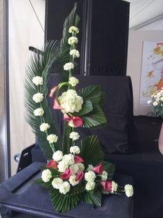 Printing Education For Kids Printer Vintage Flowers Art Christmas Trees Contemporary Flower Arrangements, White Flower Arrangements, Flower Arrangement Designs, Altar Flowers, Church Flowers, Funeral Flowers, Outdoor Flowers, Deco Floral, Ikebana