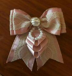 Ribbon Jewelry, Ribbon Art, Ribbon Crafts, Ribbon Retreat, Diy And Crafts, Arts And Crafts, Baby Hair Bands, Kanzashi Tutorial, Dress Card
