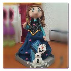 Frozen, Anna con Olaf hecha con Goma Eva, tela y Fimo, para pedir una igual ir a la web