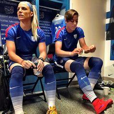 Julie Johnston and Abby Wambach. Female Soccer Players, Usa Soccer Team, Us Soccer, Football Soccer, Morgan Soccer, Soccer Stuff, Soccer Tips, Nike Soccer, Soccer Cleats