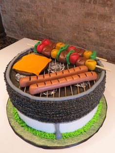 Grill - Grill cake using CC tutorial - thanks! Buttercream, fondant food