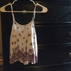 Forever 21 crop top. Cute top that I have sadly grown out of...Only thing is there's a slight fray by the strap. Size is between XS/S. Considering lower offers! Forever 21 Tops Crop Tops