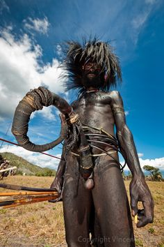 'Stamina'. Baliem Valley Cultural Festival, Wosilimo, West Papua, Indonesia | © Pvince, via Flickr peopl, cultur festiv, horn, valley cultur, indonesia culture