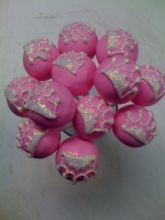 Pink Princess Cake Pops. Aliviah wants Cinderella cake pops for school on Friday...I'm thinking these combined with what I already have planned will rock! Love my girl!