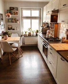 Home Decor - Beautiful Decoration Design Ideas For Small Kitchen Home Interior, Kitchen Interior, Design Kitchen, Modern Small Kitchen Design, Interior Modern, Decoration Design, Beautiful Decoration, Budget Home Decorating, Decorating Ideas