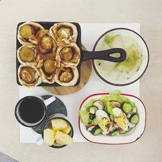 45 個讚,3 則留言 - Instagram 上的 s_s(@s_s_o_o_s_s_o_o):「 . goooooood morning mooooonday :-目))) . #goodmorning #breakfast #yummy #goodfood #instafood… 」