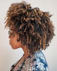 13 Best Natural Hair Wash And Go Tricks You Didn't Know! - The Blessed Queens 13 Best Natural Hair Wash. - 13 Best Natural Hair Wash And Go Tricks You Didn't Know! – The Blessed Queens 13 Best Natural Hair Wash And Go Tricks You Didn't Know! Pressed Natural Hair, Tapered Natural Hair, Natural Hair Braids, Dyed Natural Hair, Pelo Natural, Natural Hair Tips, Natural Hair Growth, Natural Hair Styles, Natural Dreads
