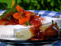 Brie And Fig Preserve Pie Bites With Pie Crust, Brie Cheese, Fig Preserves, Egg, Milk Fall Appetizers, Cheese Appetizers, Fig Recipes, Snack Recipes, Snacks, Tapas, Cheese Fruit, Fruit Preserves, Baked Cheese