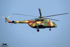 https://flic.kr/p/PK3HNd | S3-BRM: Bangladesh Army Aviation Mil Mi-171sh | VGTJ 2016: First shot of an Army Hip through my lens :') So good to see a different camo scheme!