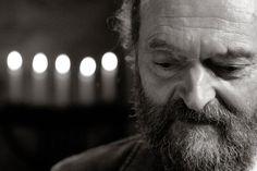 Fans seiner ruhigen Melodien verehren ihn als Kultfigur und Guru des Glöckchenklangs: Zu Besuch bei Arvo Pärt, dem populärsten lebenden Klassik-Komponisten. Heute wird der Este 80 Jahre alt.