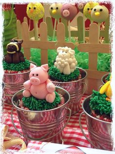 Cute animal treats at a farm birthday party! See more party ideas at… Farm Animal Cakes, Farm Animal Party, Farm Animal Birthday, Farm Themed Party, Barnyard Party, Farm Party, Cowboy Birthday, Farm Birthday, 2nd Birthday Parties