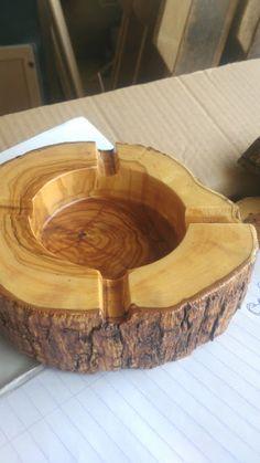 ΞΥΛΙΝΑ ΔΙΑΚΟΣΜΗΤΙΚΑ: Τασακι ξυλινο...μοναδικο κομματι απο κορμο ελιας
