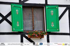 a window in Cisnadioara, Sibiu, Romania Romania, Places To Go, Windows, Outdoor Decor, Flowers, Home Decor, Decoration Home, Room Decor, Royal Icing Flowers