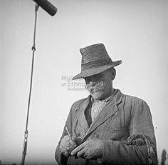 Réger Endre FőcímCsorba Gábor faragás közben Alcím Tartalmi leírás Készítés ideje1950.10. Készítés helyeTiszaigar     Heves vm.     Magyarország