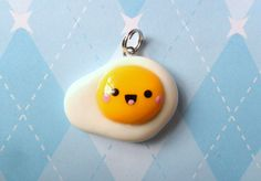 Kawaii Egg Sunny Side Up Charm Inspired by breakfast! :D This kawaii sunny side up egg charm was hand sculpted out of Fimo brand polymer clay. Crea Fimo, Polymer Clay Kawaii, Fimo Clay, Polymer Clay Projects, Polymer Clay Charms, Polymer Clay Jewelry, Clay Crafts, Polymer Clay Miniatures, Polymer Clay Creations